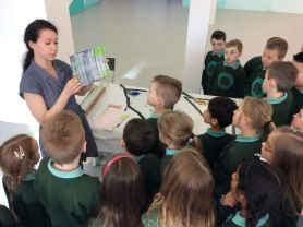 Primary 4 visit the CCA Gallery